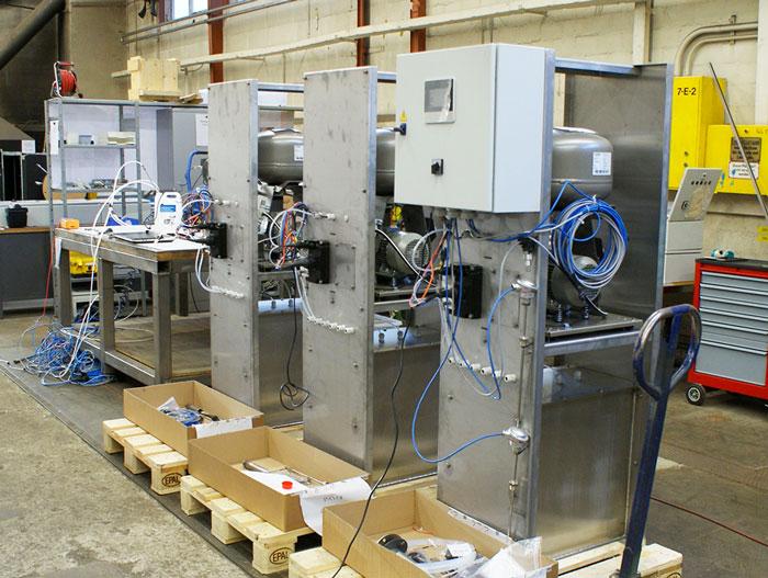 Système SCR : armoires de contrôle en construction